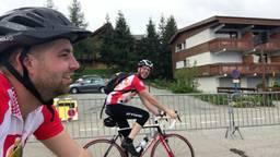 Rob en Jos zijn de Alpe d'Huez op gefietst
