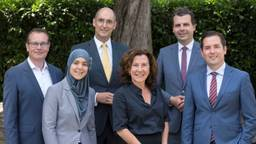 Mario Jacobs, Esmah Lahlah, Oscar Dusschooten, Marcelle Hendrickx, Berend de Vries en Erik de Ridder (Foto: Breedveld).