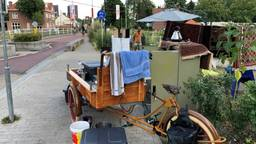 Sinds een paar jaar heeft Vittorio op deze plek in Tilburg een Perzisch ijshoekje gecreëerd. (Foto: Edwin Vossen)