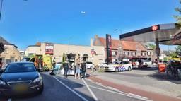 Een man (40) uit Tilburg stak de weg over en werd aangereden (Foto: Toby de Kort).