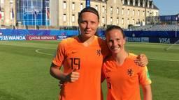 Eva van Deuren (R) scoorde voor Oranje.