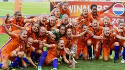Precies een jaar geleden wonnen de Oranjeleeuwinnen het EK (foto: VI Images).