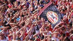 PSV neemt het op tegen Zwolle.