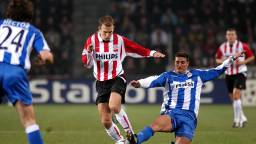 Arjen Robben namens PSV in actie tegen Deportivo La Coruña in 2003 (Foto: VI Images)