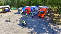 Veel vrachtwagenchauffeurs werden gecontroleerd. (Foto: Dave Hendriks/SQ Vision)
