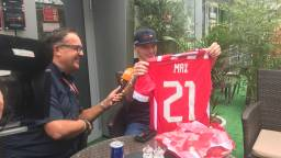 Een speciaal PSV-shirt voor de jarige Max verstappen (21). (Foto Twitter: @olavmol)