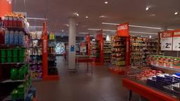 De verlichting in de supermarkt is minder fel. (foto: Raymond Merkx)