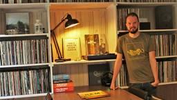 Bob van der Staak tussen zijn platen (Foto: Bob van der Staak)