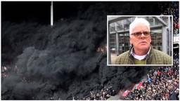 De rookbommen die in april werden afgestoken bij de wedstrijd PSV-Ajax. (Foto: ANP)