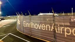 Ryanair-toestellen op Eindhoven Airport (foto: Raoul Cartens)