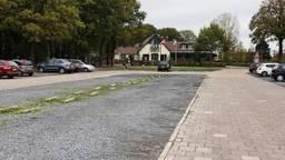 De parkeerplaats van het restaurant. (Foto: Jan Waalen)