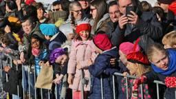 Drukte bij de intocht van Sinterklaas in Eindhoven (foto: Karin Kamp)