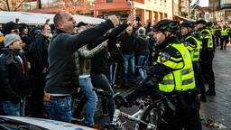 Tumult in Eindhoven zaterdag bij Sinterklaas (Foto: ANP)