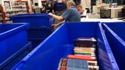 De verhuizing van de bibliotheek in Tilburg is begonnen.