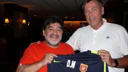 Jos met Diego Maradona (Foto: Facebook).