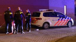 De politie doet onderzoek na de schietpartij. (Archieffoto: Tom van der Put)