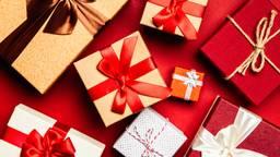 Omroep Brabant deelt uit. De kerstpakketten kunnen er anders uitzien. (Bron: Pexels.com)