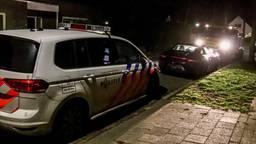 De zwarte auto, die door de politie werd achtervolgd (foto: 112Nieuwsonline).