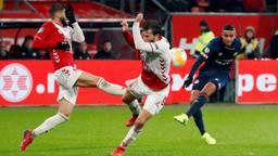 Mohammed Ihattaren schiet op doel tegen FC Utrecht (foto: VI Images).