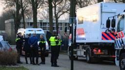 Er was veel politie aanwezig bij de reconstructie die in februari plaatsvond (Foto: Danny van Schijndel).