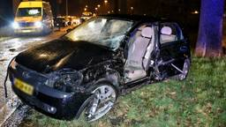 De auto was total loss na het ongeval. (Foto: Toby de Kort)