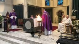 In de kapel konden katholieken een askruisjes krijgen (Foto: Alice van der Plas).