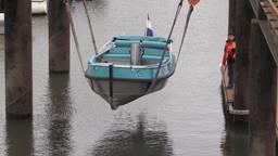 Het 'Skon Schip' wordt te water gelaten