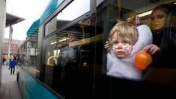 Arriva brengt je tijdens carnaval veilig thuis. (Foto: ANP)