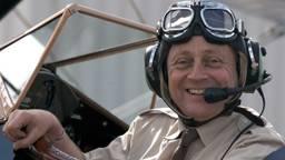 Hans was 28 jaar lang piloot.