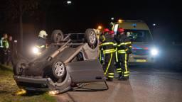 De auto raakte zwaar beschadigd (Foto: Jack Brekelmans/Persburo BMS)