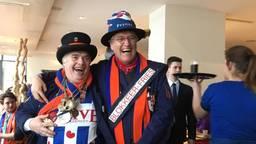 De burgemeester droeg tijdens carnaval een sjerp met daarop de tekst: 'Blokkeer-Fries'.