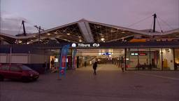 Een verwarde man heeft woensdagavond voor veel onrust gezorgd op het station in Tilburg (Foto: Omroep Brabant).