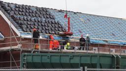 De bouwvakker viel van het dak. (Foto: Foto Persbureau Midden Brabant)