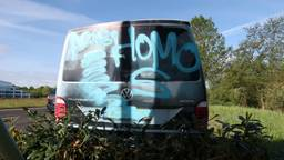 Het besmeurde busje (Foto: Perry Roovers)