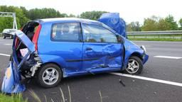 Auto slaat over de kop op A29 bij Heijningen (Foto: 112Nieuwsonline)