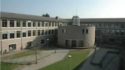 Het St. Janslyceum in Den Bosch, ontworpen door Nico van der Laan (foto: Hugo Heijker)