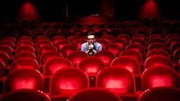 Niels van Doormalen mag van de theaterzaal in Nederland naar de theaterzaal in Londen. (Foto: Noortje van Gestel)