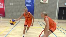 Jill (27) en Loyce (25) Bettonvil uit Den Bosch doen mee aan het WK Basketball 3x3.