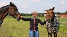 Martine en haar paarden Lady Macbeth en Trouble. (Foto: Karin Kamp)