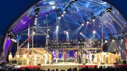 Aïda in Concert in première in Autotron in Rosmalen: minder verhaal en overdonderende muziek.