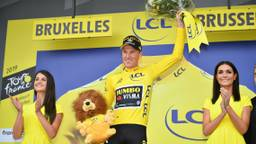 Mike Teunissen van team Jumbo-Visma straalt in de gele trui. (Foto: VI Images)