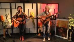 Lya de Haas en Hennie Korsten. (Foto: Omroep Brabant)