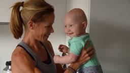 Kim Dillen met haar dochter Laurenne.