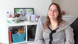 Desiree uit Tilburg werd als kind stelselmatig misbruikt en een hulphond kan haar helpen om dat te verwerken.