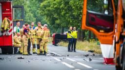 Op het ongeluk op de N272 kwamen diverse hulpdiensten af. (Foto: Sem van Rijssel/SQ Vision)