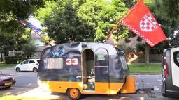 De caravan van de Dongense vriendenclub Team Hontig.