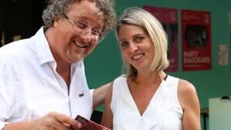 Hans en Irene gingen donderdagavond met Omroep Brabant mee naar Signaal bij Haanwijk; een voorstelling van Theaterfestival Boulevard.