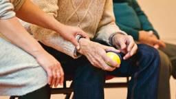 Uit een reportage van Zembla blijkt dat ouderen niet thuis te kunnen wonen zoals de overheid wil. (Foto: Pexels)