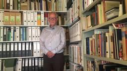 Frans Govers en zijn archief. (Foto: Jan Peels)