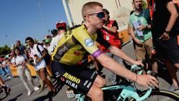 Steven van Kruijswijk tijdens de Vuelta in 2019 toen hij ook moest opgeven. (Foto: archief)